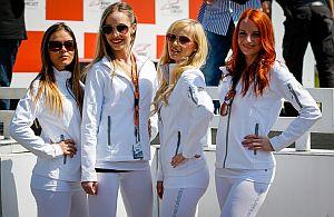 Grid-Girls dürfen bein Rennsport-Events nicht fehlen.