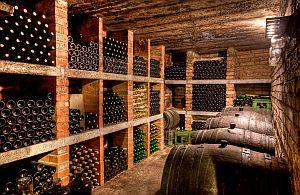 Auf Ihrer Incentive Weinreise lernen Sie viel über Weine, sehen die Weinkeller und werden natürlich überall verkostet.
