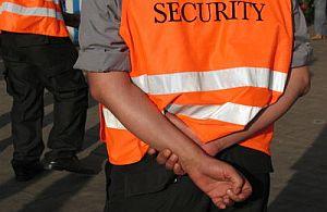 Sicherheit muss sein. Deshalb darf auf keinem größeren Event Security fehlen. Veranstaltungspersonal von all about event.