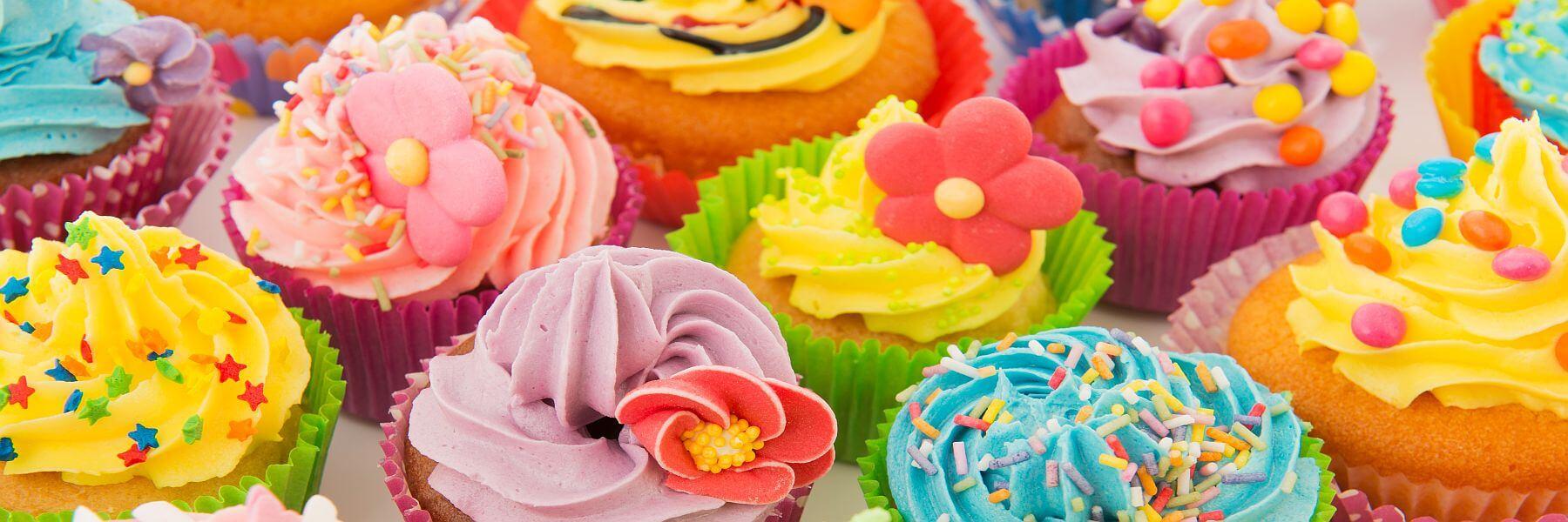Bunte Cupcakes. Event Catering von all about event. Geschmackvoll überraschen.