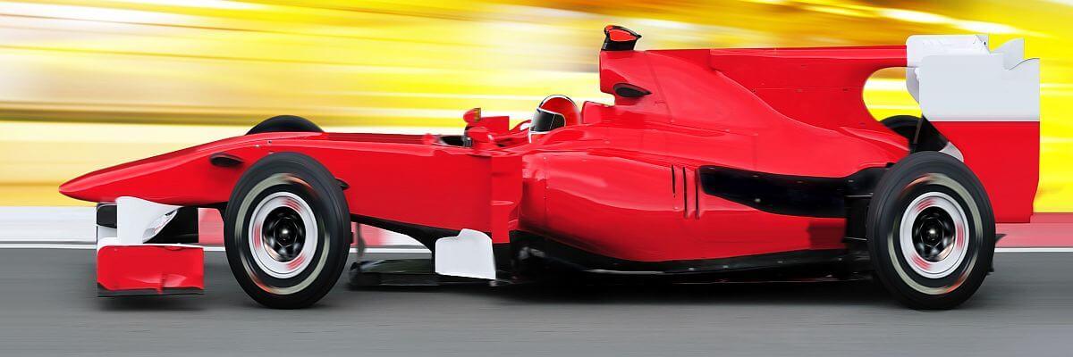 Rotes Formel Eins Fahrzeuge. Grid Girls von all about event.