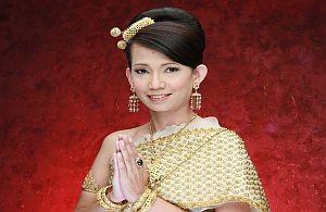 Anatoi in thailändischem Outfit